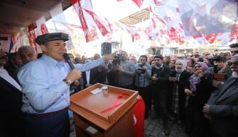 Cumhur İttifakı Karaisalı'da iki farklı noktada seçim irtibat bürolarını açtı