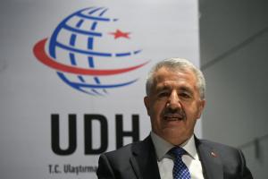 Bakan Arslan: Uçak ve Demir Yolları Biletlerine Zam Yok