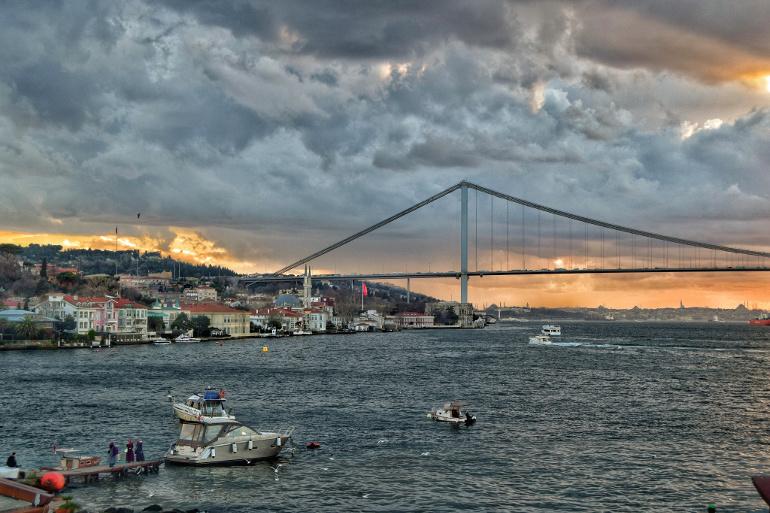 Bakan Özhaseki: İstanbul Boğazı'nı İmar Barışından İstisna Tutabiliriz