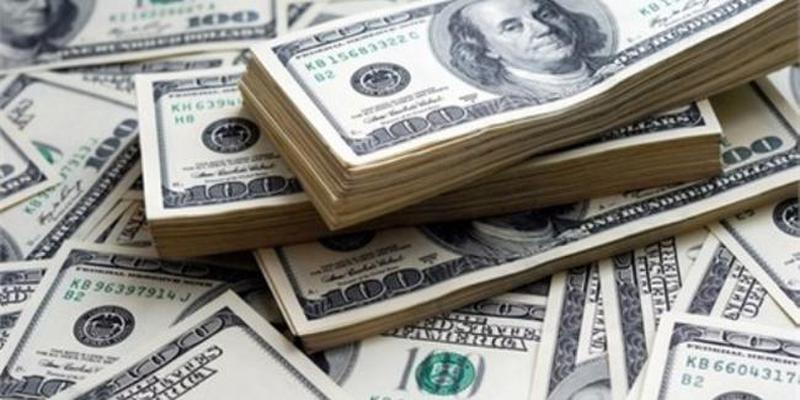 Dolar, Yüksek Seyrini Sürdürüyor