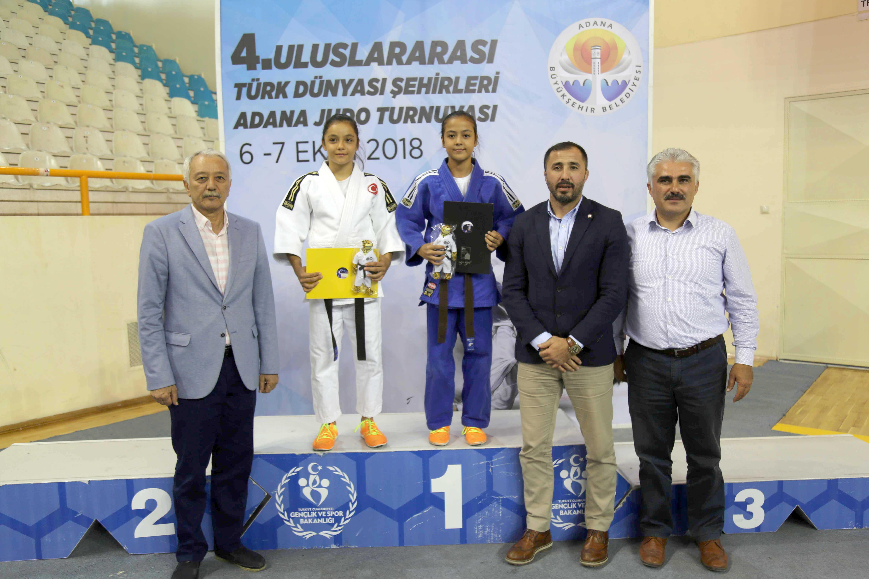 Türk dünyası judocuları Adana'da buluştu