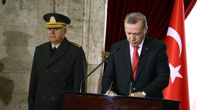 Cumhurbaşkanı Erdoğan'dan Anıtkabir'de 29 Ekim Cumhuriyet Bayramı mesajı