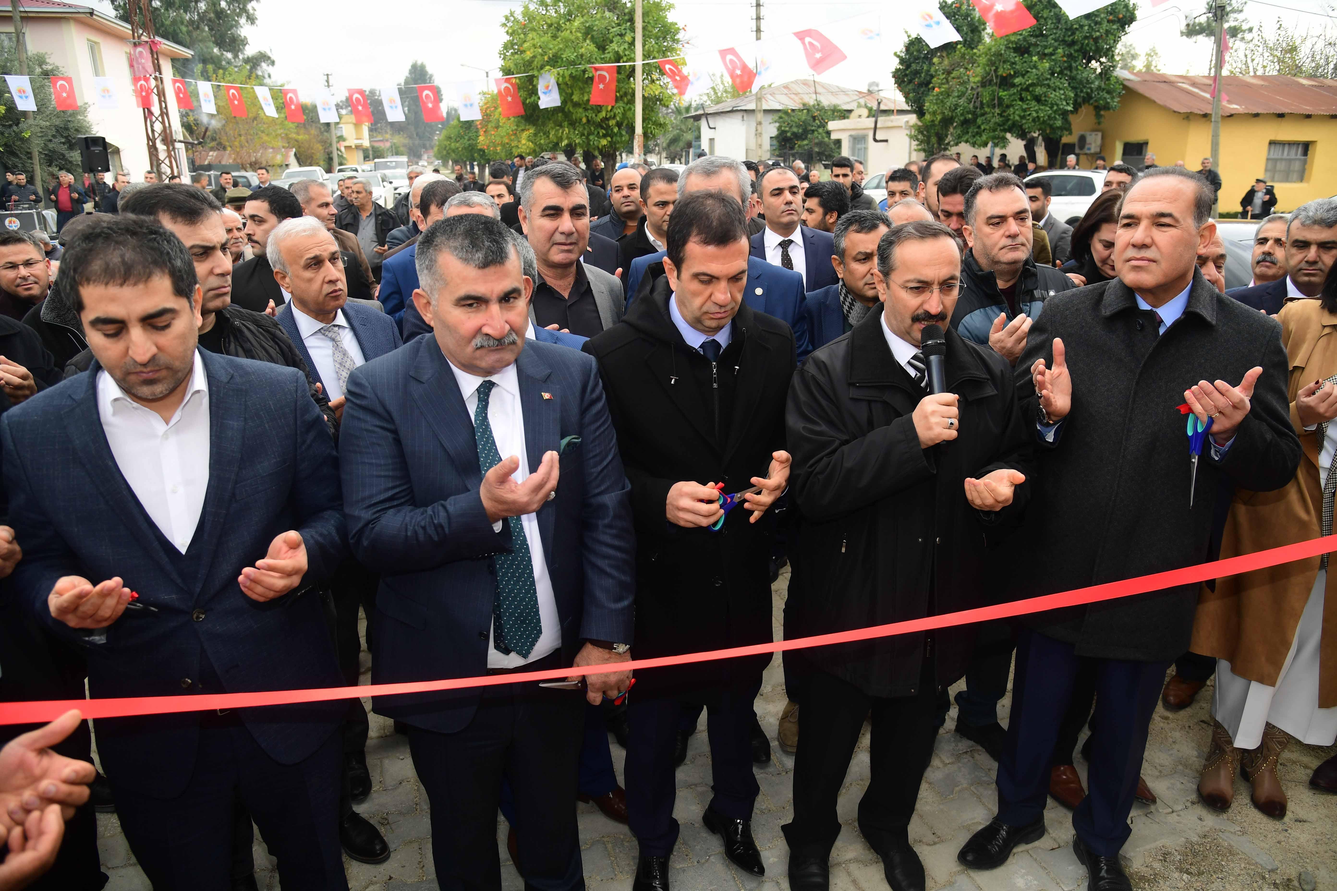 Başkan Sözlü Kozan'da açılışta konuştu