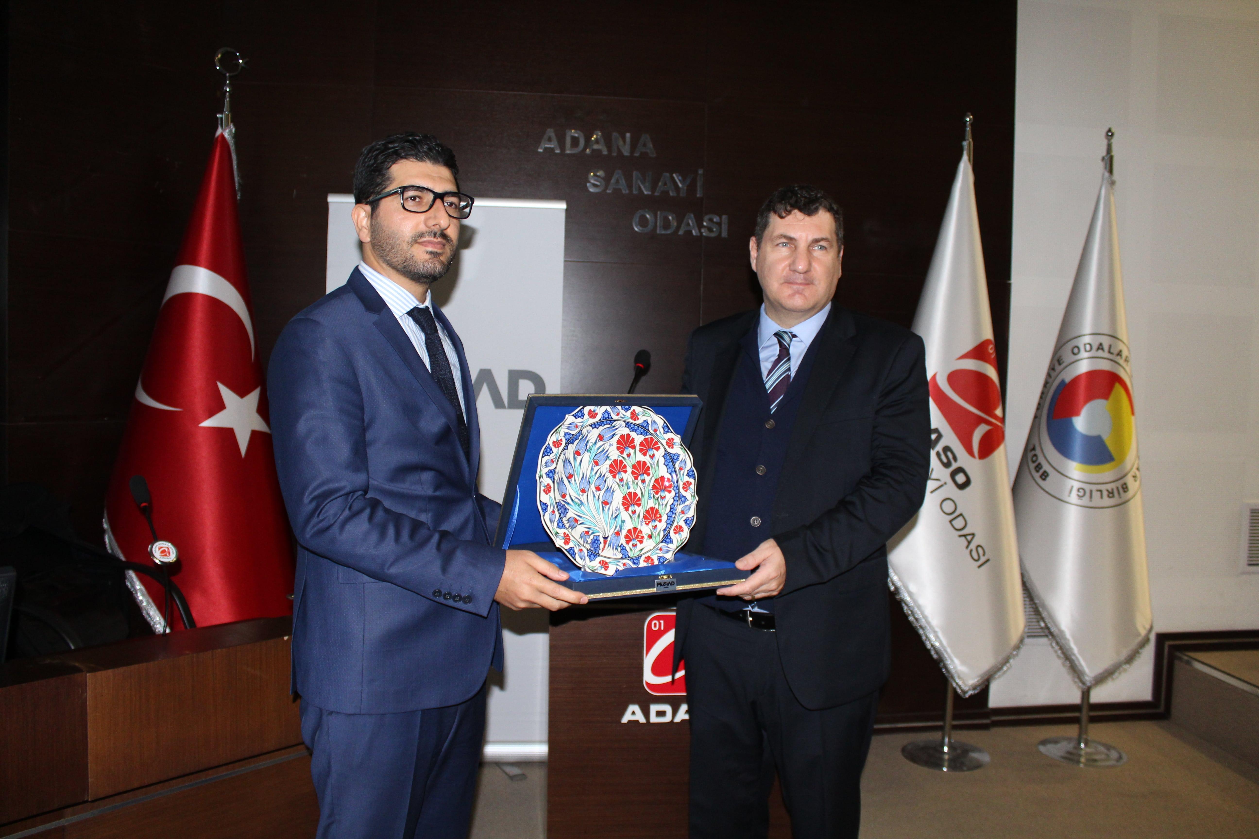 """Prof. Dr. Kerem Alkın MÜSİAD Adana'nın konuğu oldu:  """"2019'da, dışa dönen şirketler kazanacak"""""""