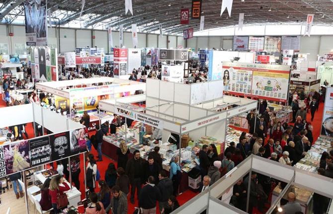 Yılın ilk kitap fuarı Adana'da açıldı