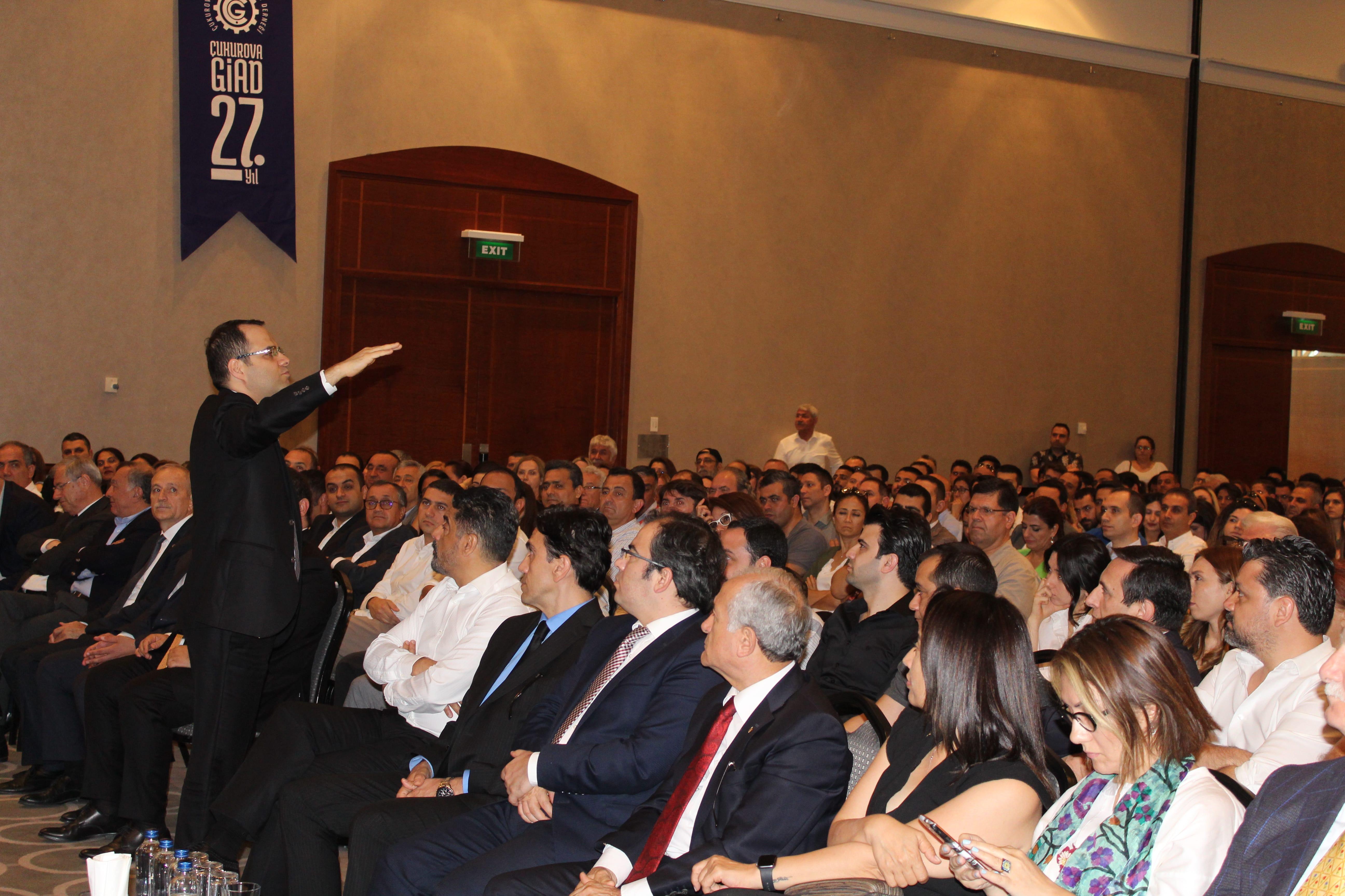 Demirtaş Çukurova GİAD toplantısında Adanalılarla buluştu