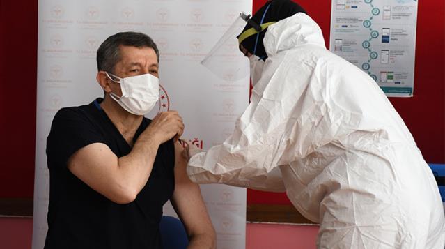 Ziya Selçuk Aşı Oldu, Sıra Öğretmenlerde